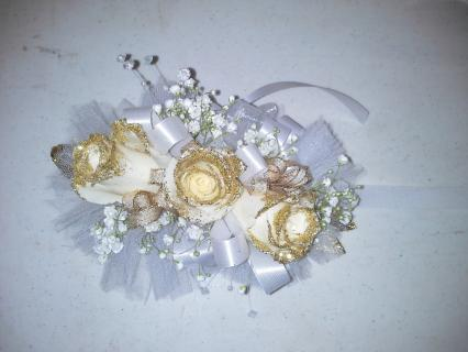 Gold Glitter Tip Corsage